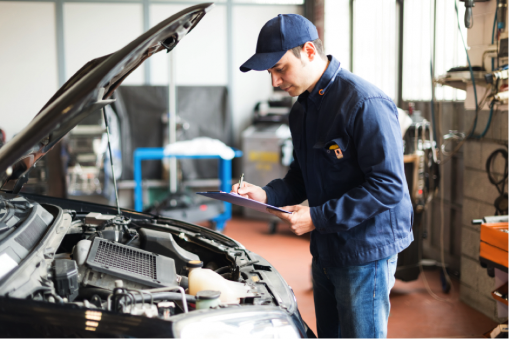 How to Become a Automotive Technician (Mechanic) image